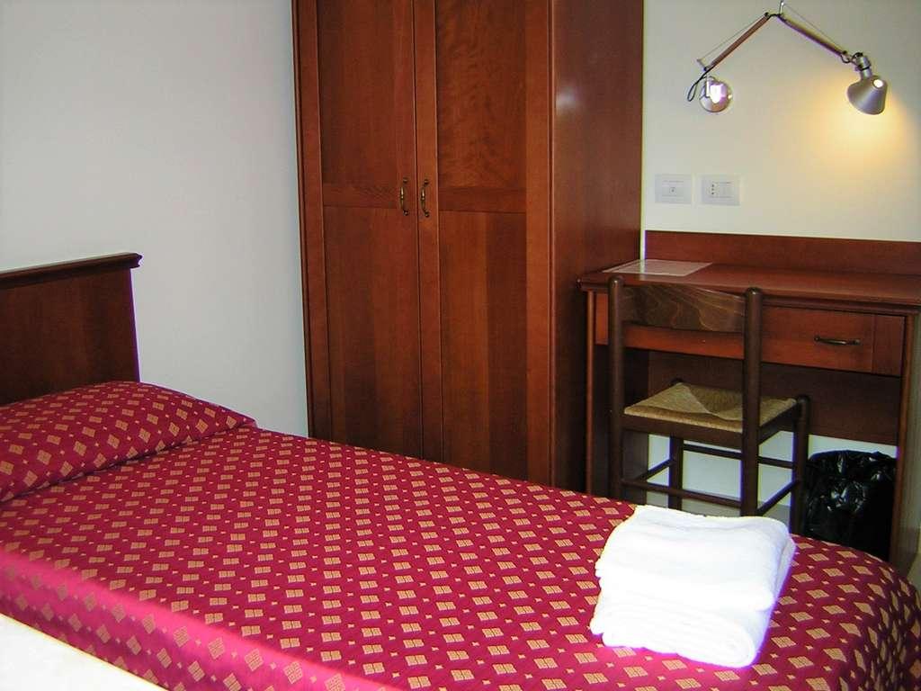 Camera tipo letto singolo velehrad - Camera letto singolo ...